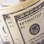 Биржевой курс доллара опустился ниже 66 рубле