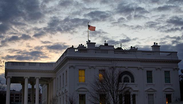 Белый дом на фоне падения биржи заявил, что экономика остается крепкой