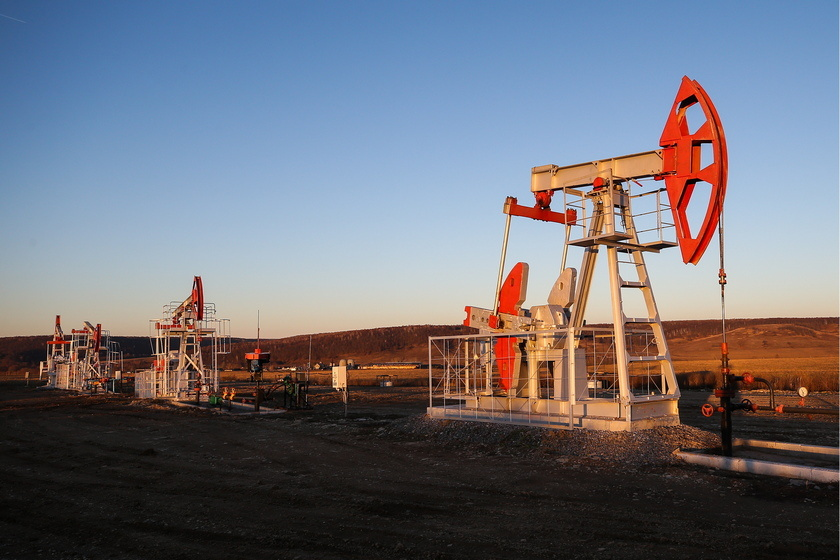 Цена на нефть Brent рухнула ниже 60 долларов за баррель