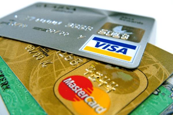 Правильный выбор банковской карточки — залог успеха