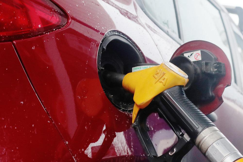 Рост цен на топливо сдержат за счет самих нефтяников