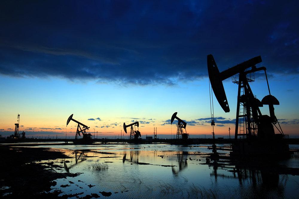 Новак: Россия в мае сохранит добычу нефти на оговоренном в рамках ОПЕК+ уровне
