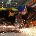 Где сварщик может заработать более ста тысяч рублей