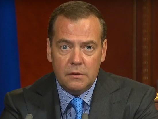 Медведев встретится с президентом Туркмении на Каспийском форуме