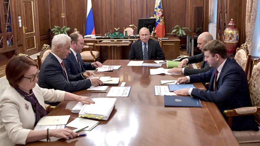 Законопроект о повышении МРОТ до 12,13 тыс. рублей внесен в Госдуму