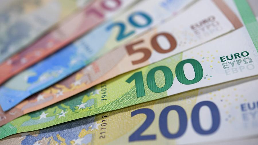 Эксперт прокомментировала идею ввести плату за хранение вкладов в валюте