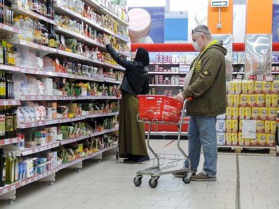 Россияне нищают: стали проедать аж половину своего бюджета