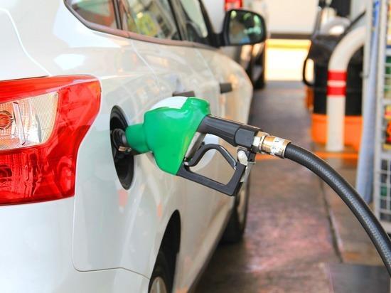 Коронавирус ударил по ценам на бензин на Западе: реакция разная