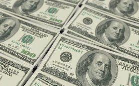 Доллар дешевеет только на мировом рынке