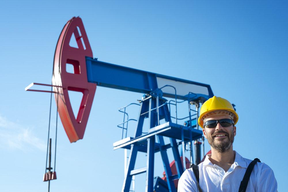 Песков: зависимость России от нефтегазовых доходов никого не устраивает