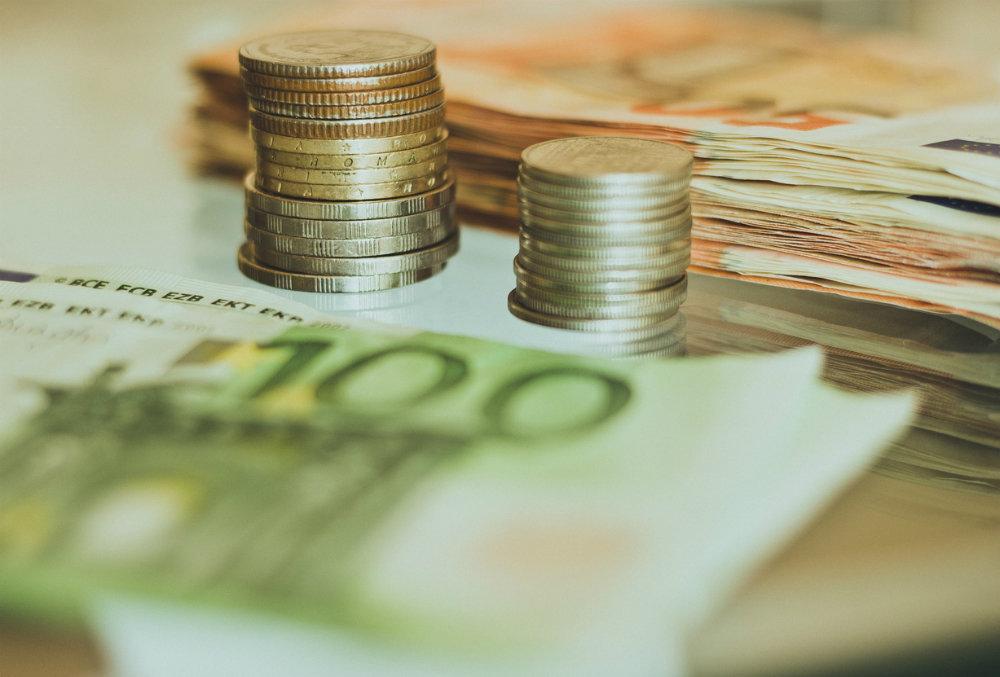 Новак: спрос на нефть выйдет на докризисный уровень в 2021 году