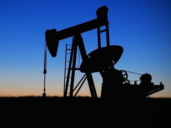 Нефть рухнула до пятимесячного минимума