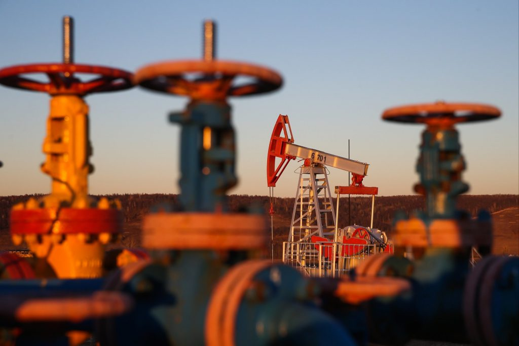 Нефть принесет в казну дополнительно 786 млрд рублей за три года