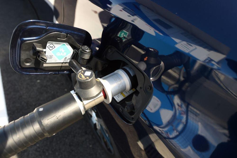 Первые водородные автозаправки хотят открыть в крупных городах