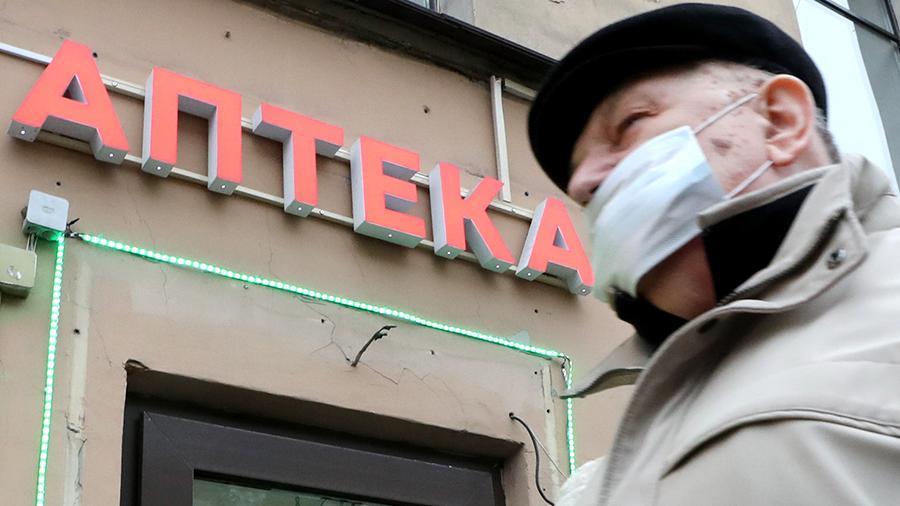 Мантуров пообещал решить проблему с нехваткой лекарств в аптеках к середине декабря