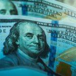 Экономист Хазин спрогнозировал исчезновение доллара в мире