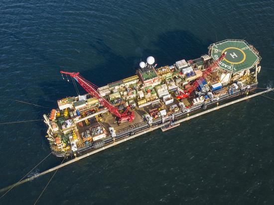 Заморозка «Северного потока — 2»: кто заплатит за прекращение строительства газопровода