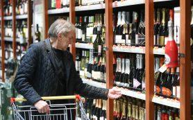 Россияне стали больше пить шампанского, рома и джина