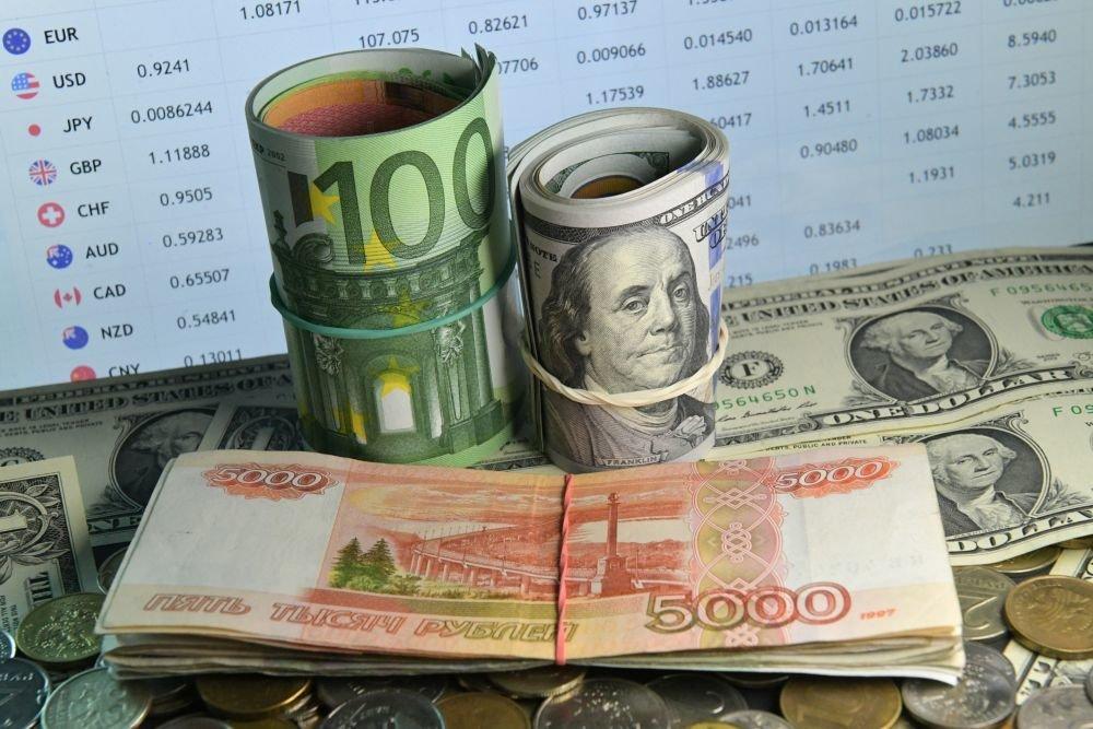 Рубль недооценен и может обрушить доллар на 10 процентов