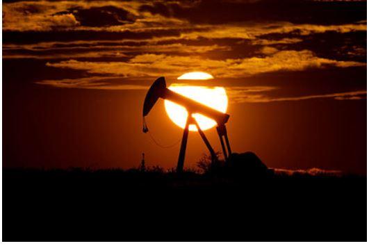 Цене на нефть пообещали падение до 10 долларов