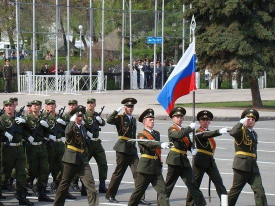 Глава Таджикистана примет участие в параде Победы в Москве