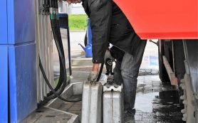 Росстандарт начинает закупки топлива на АЗС методом тайного покупателя