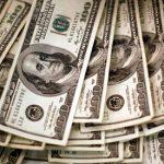 Финансист назвал россиянам причины для покупки долларов