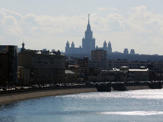 В Госдуме призвали поднять зарплату преподавателей вузов до 100 тысяч