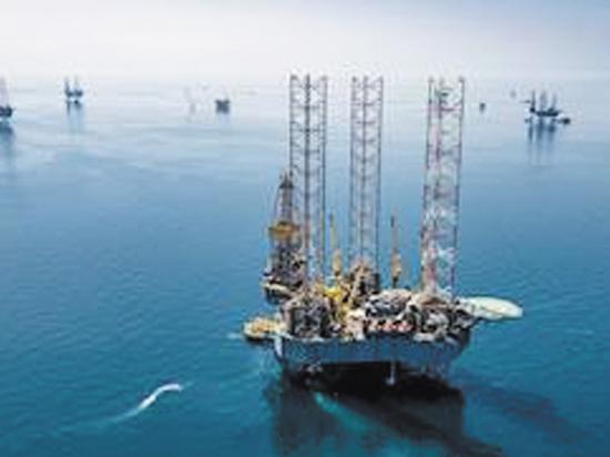 Падение нефтяных котировок грозит России потерями в миллиарды долларов
