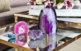 Красивая неодушевленная природа: декоративный песок, камни и минералы украшают интерьер